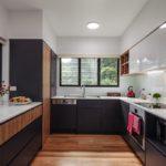 Как создать гармоничный дизайн кухни с окном?