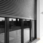 Защитные роллеты: преимущества и особенности конструкций