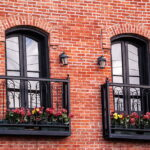 Плюсы французского балкона и особенности выбора
